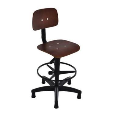 Cadeira de Madeira para Área de Produção