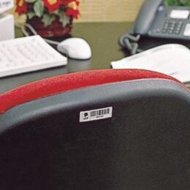 Etiqueta com código de barras em alumínio